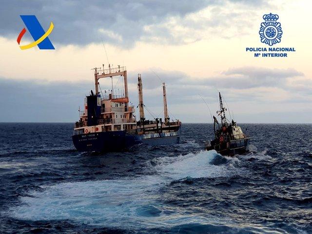 Archivo - Buque mercante intervenido con casi 20 toneladas de hachís