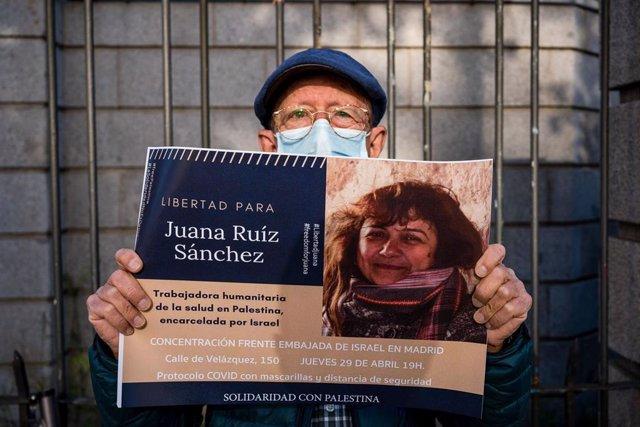 Archivo - Pancarta de apoyo a Juana Ruiz