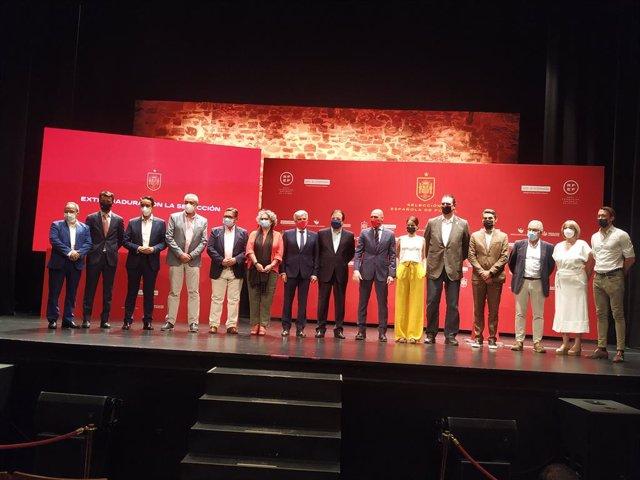 Presentación oficial de los partidos que disputarán las selecciones masculina, femenina y Sub-21 de fútbol en Extremadura en septiembre y octubre