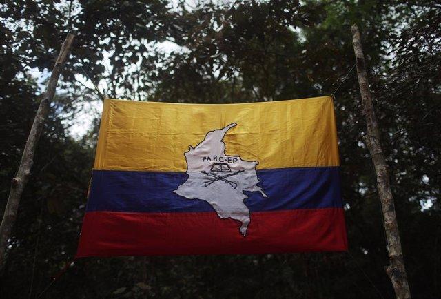 Bandera de Colombia con el símbolo de las FARC