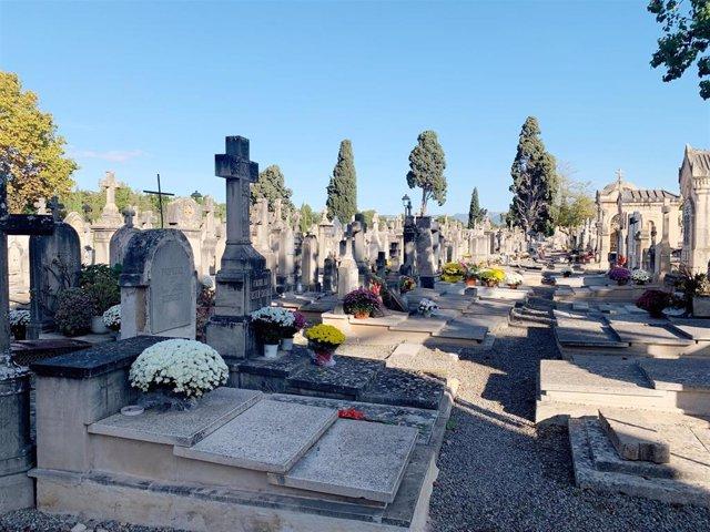 Archivo - El cementerio de Palma en la Festividad de Todos los Santos