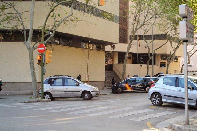 Archivo - Jefatura de la Policía Nacional en Palma, en la calle Simó Ballester