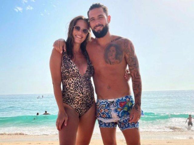 Jessica Bueno y Jota Peleteiro, en una imagen compartida por la modelo un mes después de dar a luz