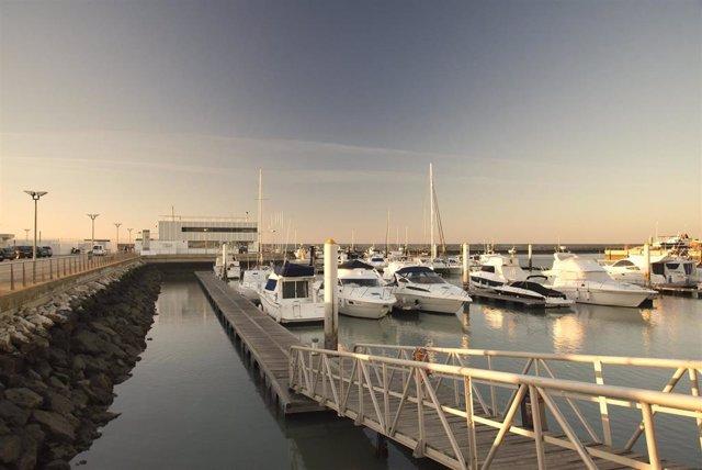 Archivo - Puerto de Chipiona.
