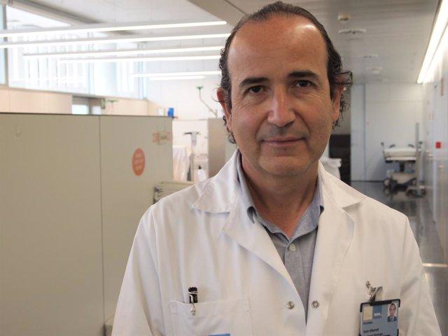 El cap del Servei d'Oncologia Mèdica de l'Hospital del Mar i director del Programa d'Investigació en Càncer de l'IMIM-Hospital del Mar, Dr. Joan Albanell, autor principal de l'estudi.