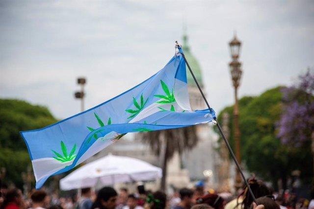 Manifestacion por la legalizacion de la marihuana en Argentina en noviembre de 2019