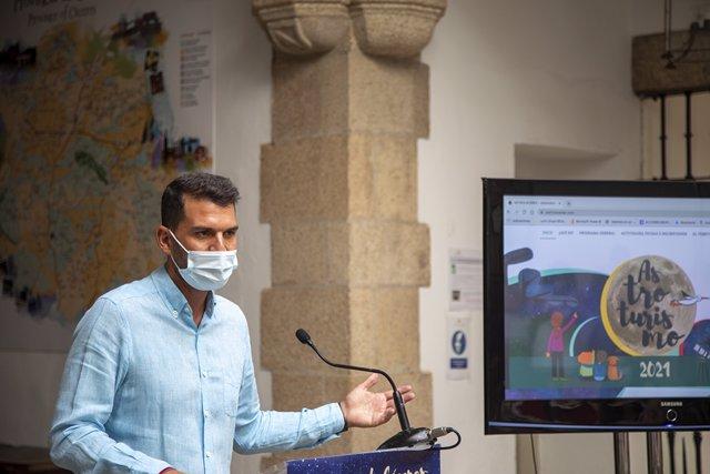 El diputado de Reto Demográfico, Álvaro Sánchez Cotrina, presenta las actividades de Astroturismo que se van a desarrollar en la provincia de Cáceres