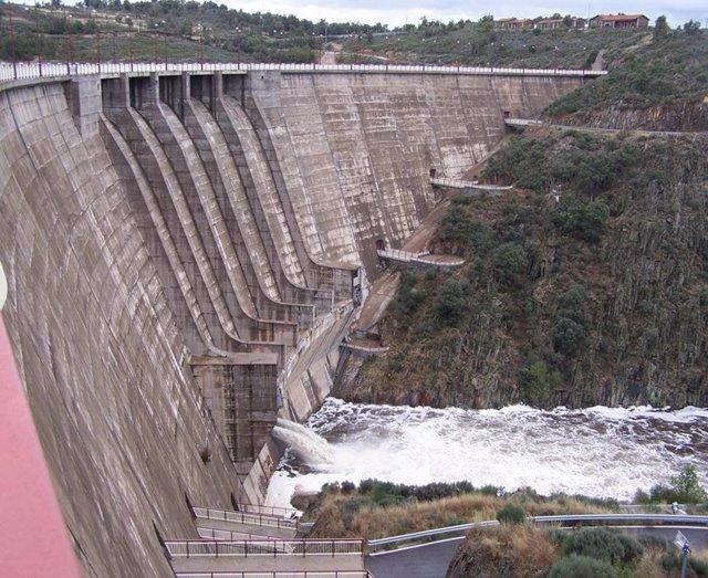 Archivo - Central hidroeléctrica en presa