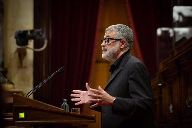 Archivo - Arxivo - El diputat de la CUP en el Parlament, Carles Riera, en el ple del Parlament.