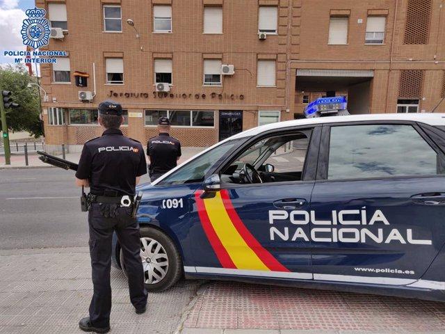 Archivo - Imagen de recurso de agentes de la Policía Nacional.