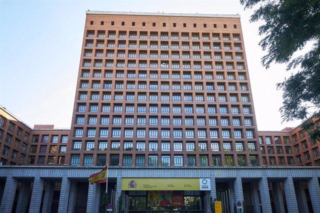 Casa Sindical de Madrid, sede de los ministerios de Sanidad, Consumo y Derechos Sociales y Agenda 2030 en el Paseo del Prado, a 24 de julio de 2021, en Madrid (España).