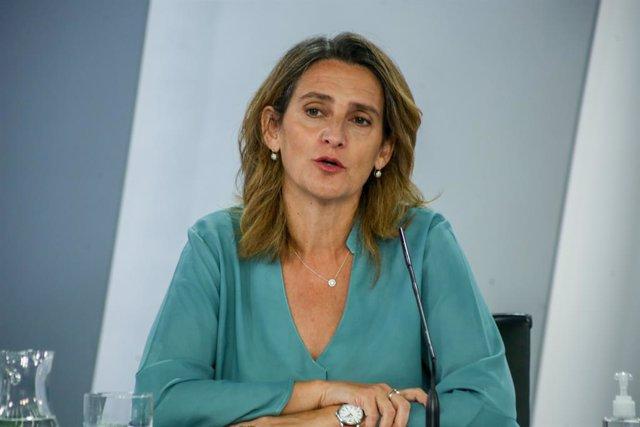 La vicepresidenta tercera y ministra para la Transición Ecológica y el Reto Demográfico, Teresa Ribera, comparece en una rueda de prensa tras una reunión del Consejo de Ministros en Moncloa, a 3 de agosto de 2021, en Madrid, (España). El Gobierno ha aprob