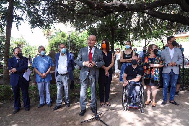 El alcalde de Málaga durante el acto de homenaje a la familia Orueta