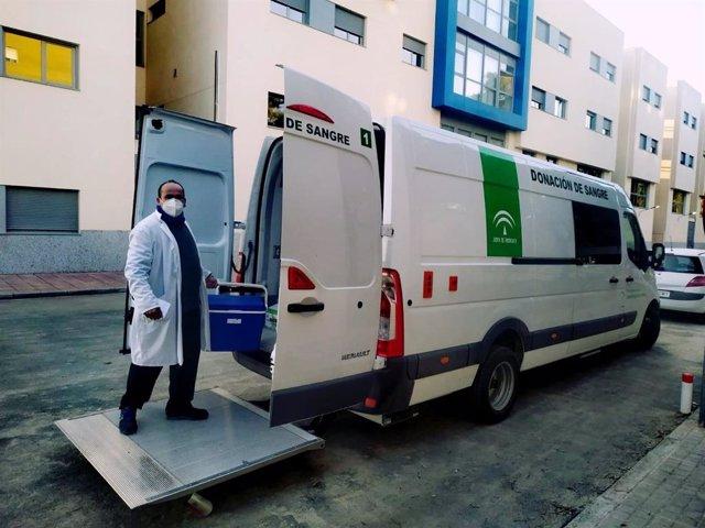 Unidad móvil del Centro de Transfusión de Jaén.