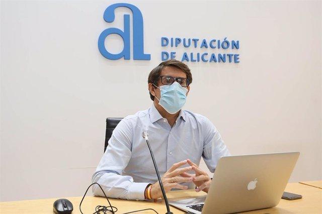 Archivo - Alicante.- La Diputación abre el plazo de las ayudas en materia de residentes internacionales dotadas con 215.000 euros