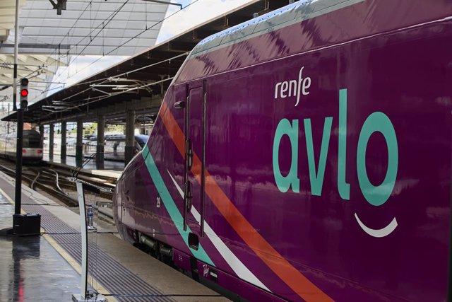 Archivo - Presentación del nuevo servicio ferroviario de Renfe AVLO, a 23 de junio de 2021, en Madrid, (España). Bajo la denominación de AVE 'low cost' de Renfe, este servicio ferroviario ofrece cuatro circulaciones diarias entre Madrid y Barcelona con bi