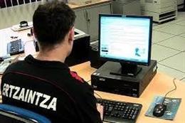 La Ertzaintza investiga delitos informáticos