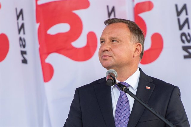 Archivo - 31 August 2020, Poland, Gdansk: Polish President Andrzej Duda to the crowd during the 40th Anniversary of August Agreements. The August Agreements were a symbolic beginning of the Solidarity Trade Union to end the wave of workers' strikes in 198