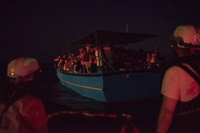 Rescate de una embarcación con migrantes por parte del 'Geo Barents'