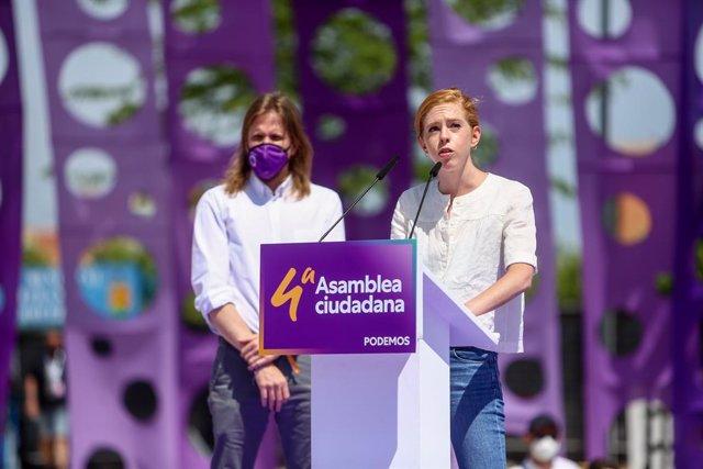 Archivo - El secretario general de Podemos en CyL, Pablo Fernández y la dirigente, Lilith Verstrynge intervienen en la IV Asamblea Ciudadana Estatal de Podemos, a 12 de junio de 2021, en el Auditorio Parque de Lucía de Alcorcón, Alcorcón, Madrid, (España)
