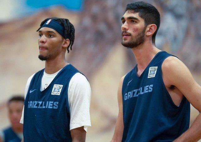 Ziaire Williams y Santi Aldama con Memphis Grizzlies