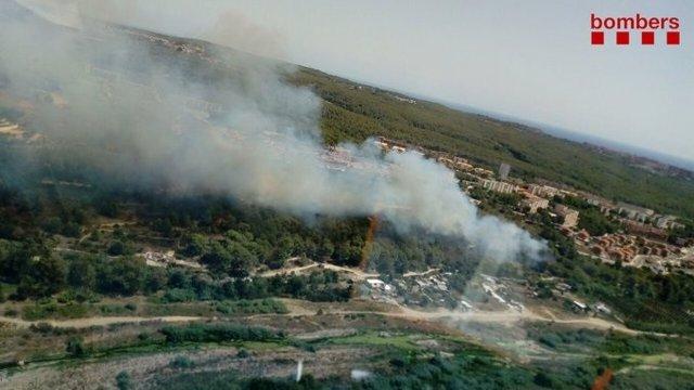 Incendi forestal al barri de Sant Salvador de Tarragona.