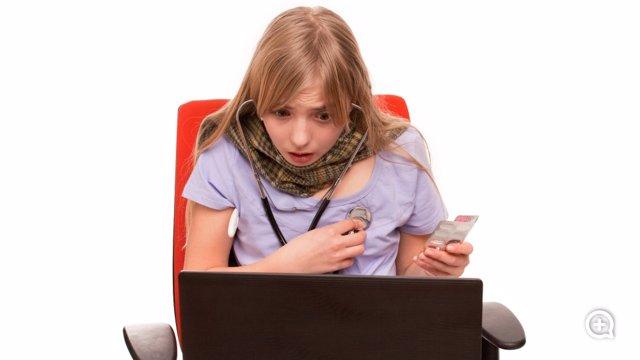 Archivo - Cibercondria, obsesión de buscar información médica en Internet