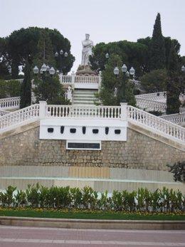 Archivo - Imagen de archivo de la escalinata del Batallador, en el Parque Grande José Antonio Labordeta de Zaragoza.