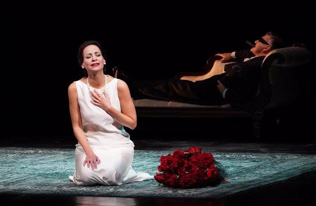 Archivo - Imagen de un momento de la representación del espectáculo 'Diva'.