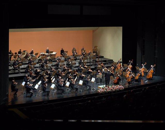 Archivo - Orquesta Sinfónica de Sevilla, en una foto de archivo.