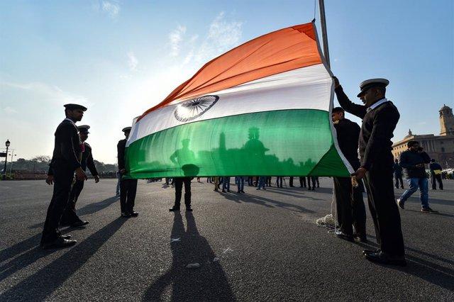 Archivo - Imagen de archivo de una bandera de India.