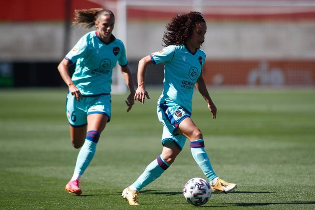 Archivo - Maria Alharilla of Levante in action during the spanish women league, Primera Iberdrola, football match played between Atletico de Madrid and Levante UD at Ciudad Deportiva Wanda on June 27, 2021 in Alcala de Henares, Madrid, Spain.