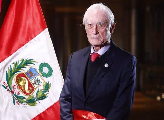El exministro de Asuntos Exteriores de Perú Héctor Béjar.