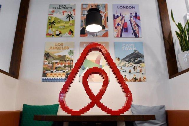 Archivo - Airbnb extiende a Alemania, Austria y Suiza la asistencia a vecinos lanzada en España en mayo