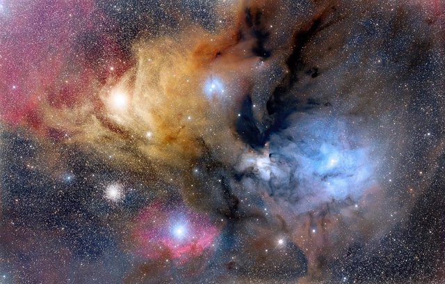 Regíon de formación estelar en la constelación de Ofiuco