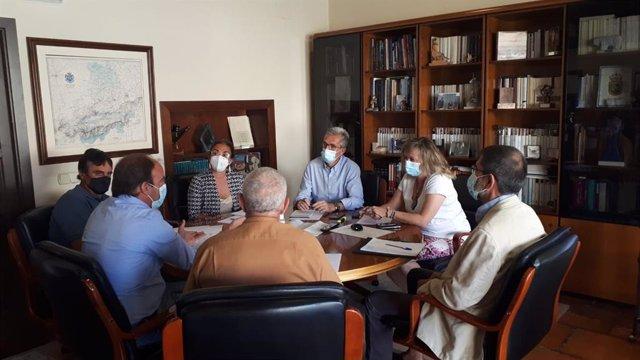 Reunión de la directora general de Desarrollo Rural, María González, con las OPA de Ávila.