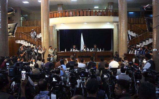Rueda de prensa de los talibán en Kabul