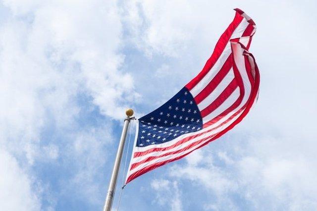 Archivo - Bandera de Estados Unidos