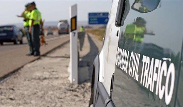 Archivo - Una persona fallecida y otra herida al colisionar dos vehículos en la N-502 a su paso por Alcaracejos (Córdoba)