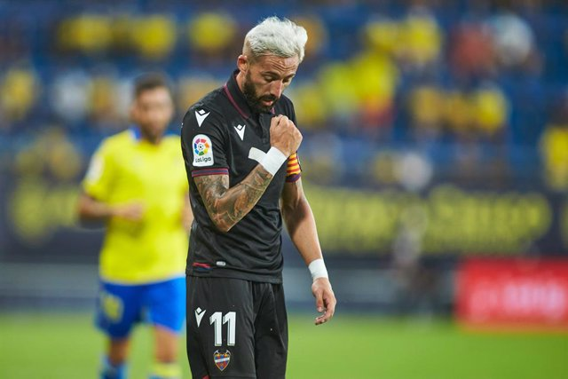 Jose Luis Morales of Levante gestures during the spanish league, La Liga Santander, football match played between Cadiz CF and Levante UD at Nuevo Mirandilla stadium on August 14, 2021, in Cadiz, Spain.