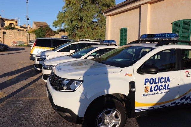 Archivo - Vehículos de la Policía Local de Llucmajor.