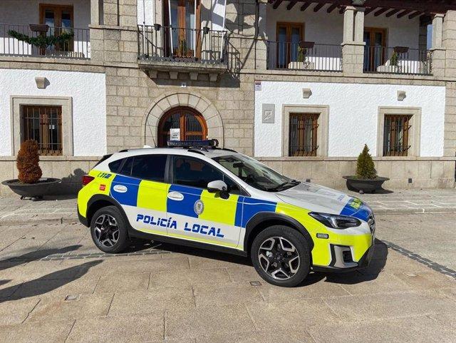 Coche de policía local en Los Molinos