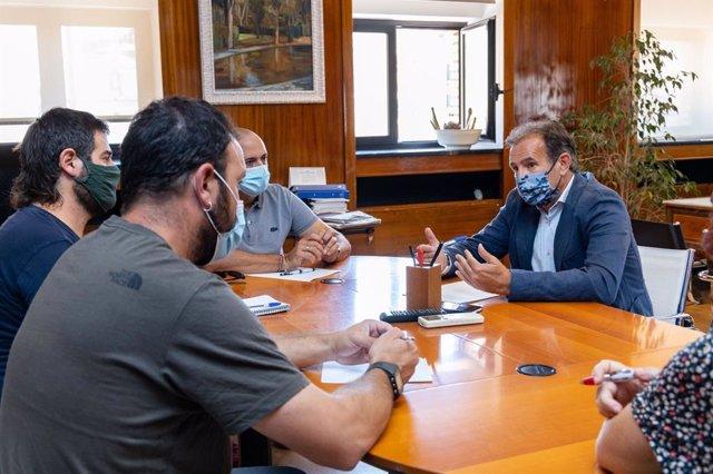 El Ayuntamiento de Zaragoza se reúne con entidades de cooperación para analizar el envío de ayuda humanitaria a Haití.