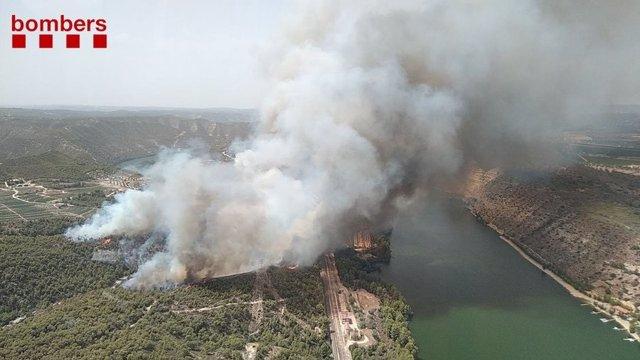 Declarat un incendi de vegetació forestal a la Pobla de Massaluca (Tarragona)
