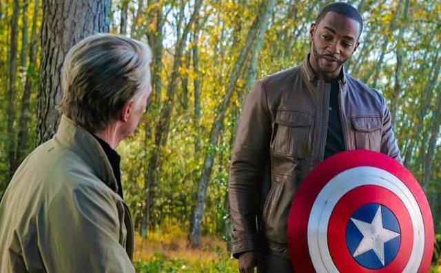 """Anthony Mackie protagonizará Capitán América 4: """"Sin supersuero y sin pelo rubio y ojos azules"""""""