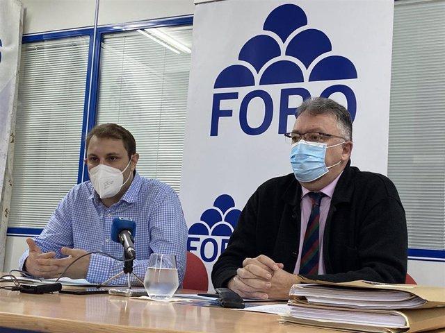 Archivo - Adrián Pumares e Isidro Martínez Oblanca