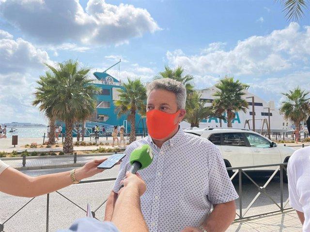El portavoz de Ciudadanos en el Ayuntamiento de Ibiza, José Luis Rodríguez Poblador, en declaraciones a los medios.