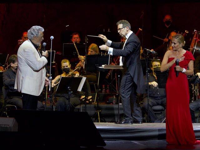 Plácido Domingo cantó en su reaparición en Starlite con Marta Sánchez