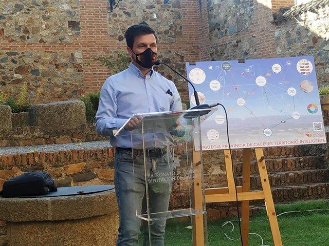 El diputado de Infraestructuras de la Diputación de Cáceres, Fernando G. Nicolás