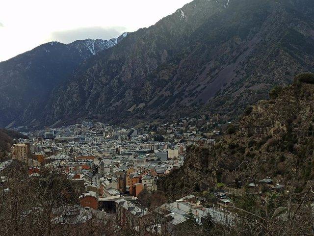 Archivo - Arxivo - Vista de la vall central, amb Escaldis-Engordany i Andorra la Vella en el fons.